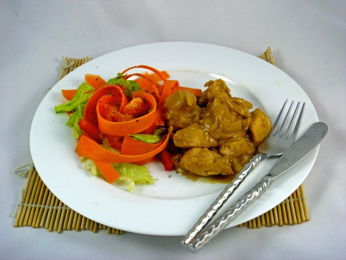Satay chicken salad