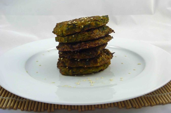 Green sesame patties 1
