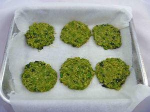 Green sesame patties uncooked