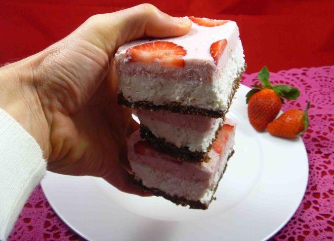 Frozen neapolitan slice holding