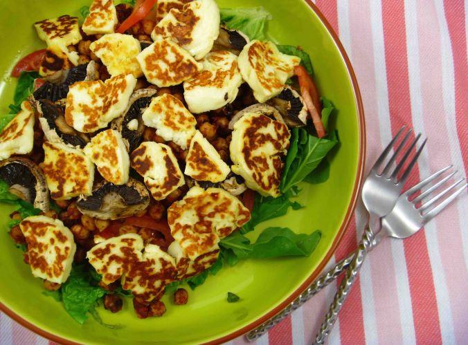 Chickpea halloumi salad 2
